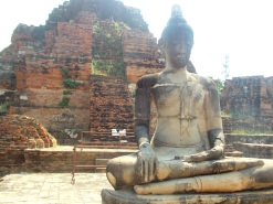 Large Buddha - Wat Mahathat
