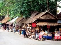 Market outside the park