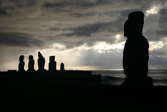 flickr - moai[s] sunset - iko